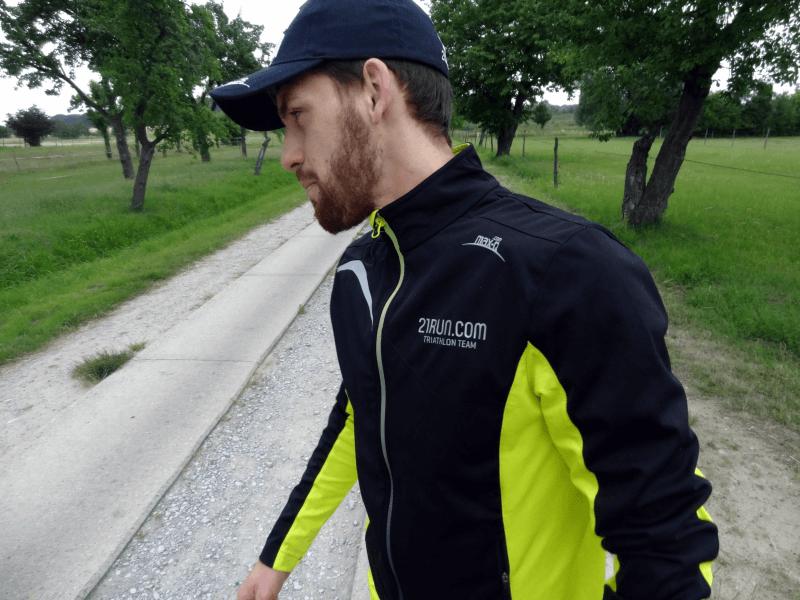 Sören beim Fotoshooting für das 21run.com Triathlon Team